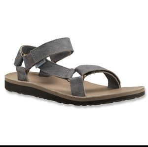 Teva Leather Diamond Sandals-Gray-size 8